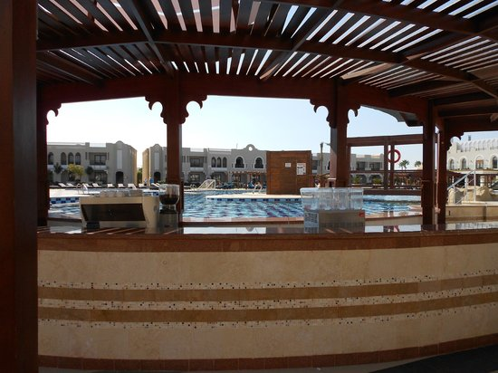SUNRISE Arabian Beach Resort -Grand Select-: Pool Bar