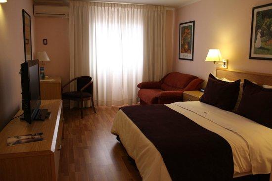 Days Inn Montevideo: Habitación