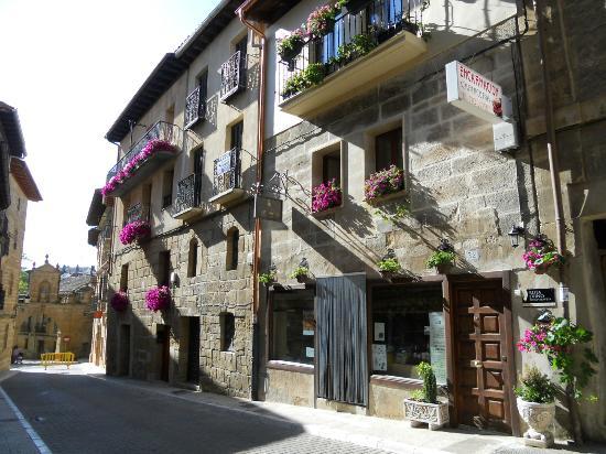 Casa Rural Lur Mendi: Lur Mendi fachada principal