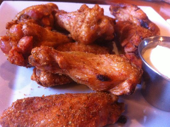 Roasthouse Pub: Old Bay wings