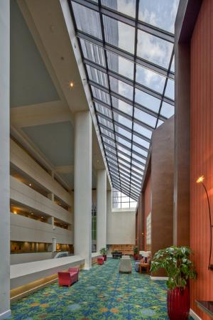 Hilton Lexington Downtown: Hotel Atrium