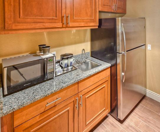 Hilton Lexington Downtown : Presidential Suite Full Kitchen