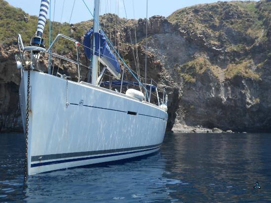 Invictus Sicily : Eolie Esterno Dufour 425
