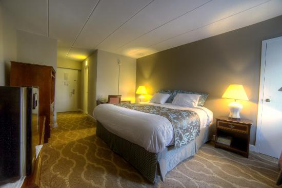 Americana Hotel : Our Simmons Beautyrest beds are just like those