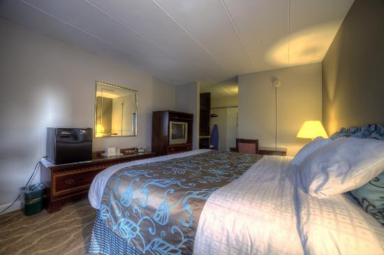Deluxe guest rooms at Americana Hotel offer contemporary decor.