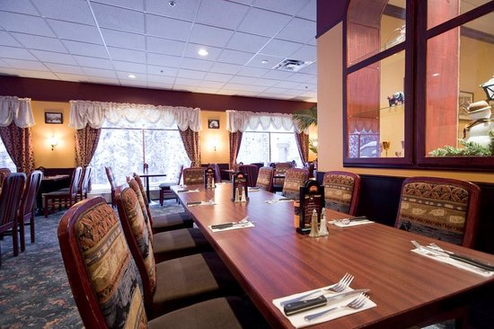 Steakhouse Restaurant at Sun Peaks Lodge Photo