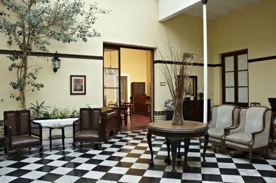 Hotel Posada del Virrey: Patio Interno