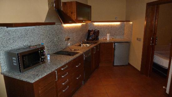 Aparthotel Bellver: Cocina completísima