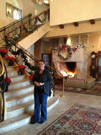 Ayres Hotel Manhattan Beach / Hawthorne: Lobby in holiday cheer
