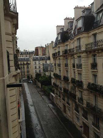 Best Western Premier Trocadero La Tour : View from front hotel window