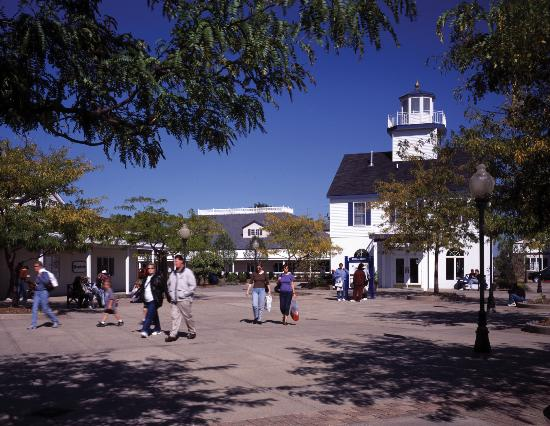 ‪Lighthouse Place Premium Outlets‬