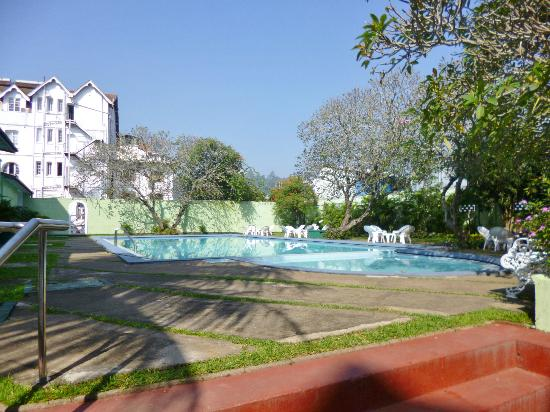 Queen's Hotel: Kandy, Queens Hotel, pool