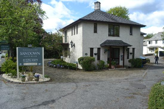 Sandown Guest House: Hotel Entrance