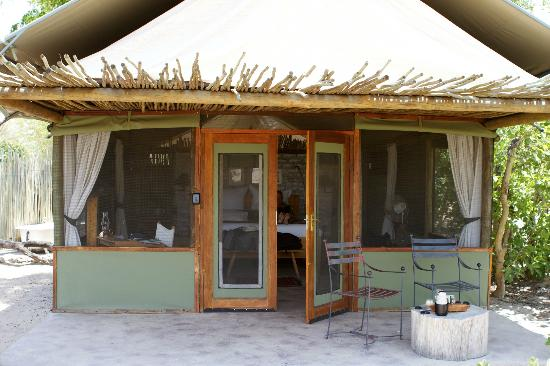 Wilderness Safaris Little Makalolo Camp: Outside view