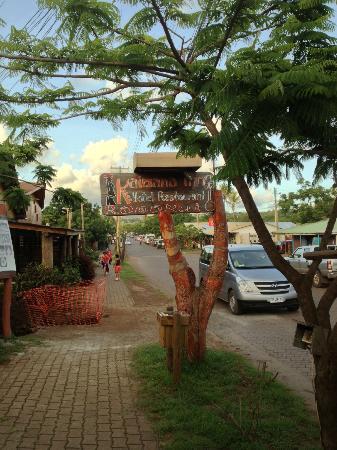 Kaimana Inn Hotel & Restaurant: Resturant Entrance