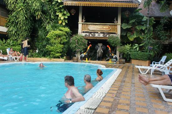 Lai-Thai Guest House: widok z restauracji