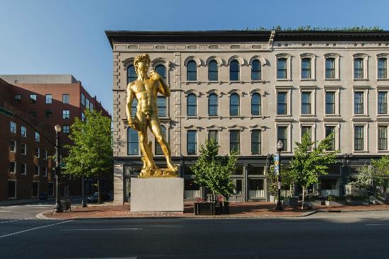 21c Museum Hotel Louisville: Main Street