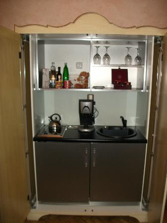 Smetana Hotel: Kitchenette