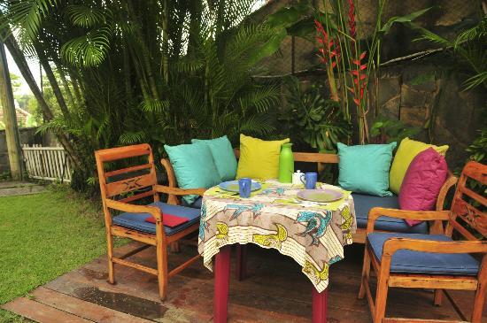 Casa Beleza: Breakfast in the garden