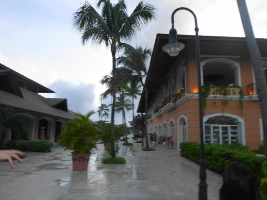 Majestic Colonial Punta Cana: Onsite shopping area