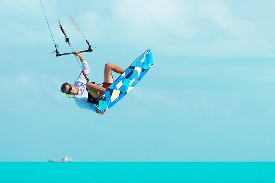 KiteProvo: Long bay grab by instructor Mike!