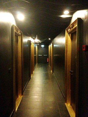 UNA Hotel Vittoria: Pasillo habitaciones