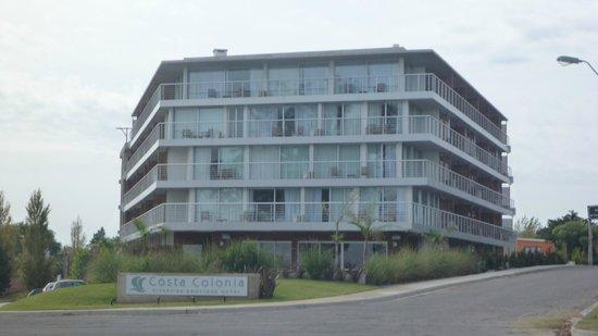 Costa Colonia Riverside Boutique Hotel: El Hotel visto desde afuera