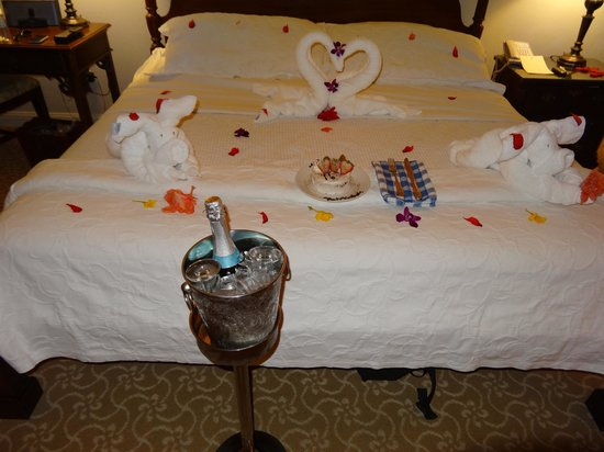 Sandals Royal Bahamian Spa Resort & Offshore Island: Birthday treat from Corey the butler
