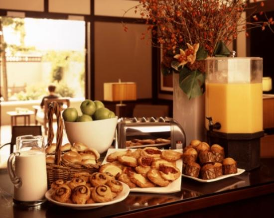 The Ambrose: Deluxe Continental Breakfast
