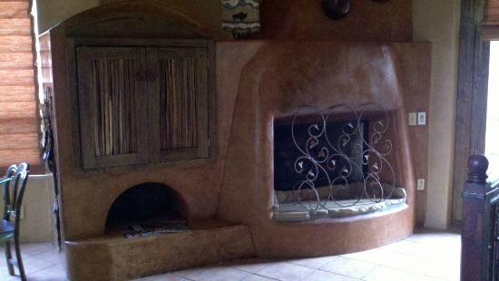 Adobe Grand Villas: Wonderful, romantic fireplace and hidden TV