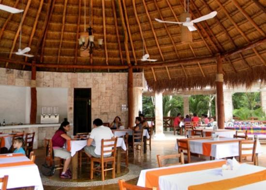Hotel Real Mayab: Restaurant
