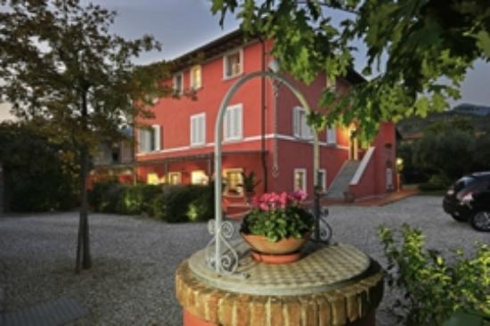 Villa a Case Rosse: esterno hotel