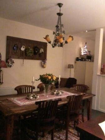 Boogaard's Bed and Breakfast: Dining room