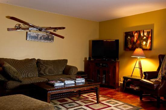 أوبيرج كيكينج هورس بي آند بي: Guest Living room