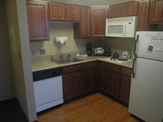 Homewood Suites by Hilton Chicago-Downtown: full kitchen
