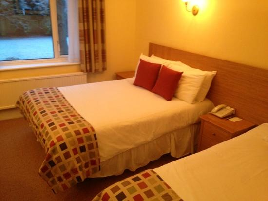 Best Western Linton Lodge Hotel: double and single bed