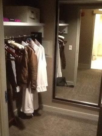 Kimpton Hotel Palomar Washington DC: large closet