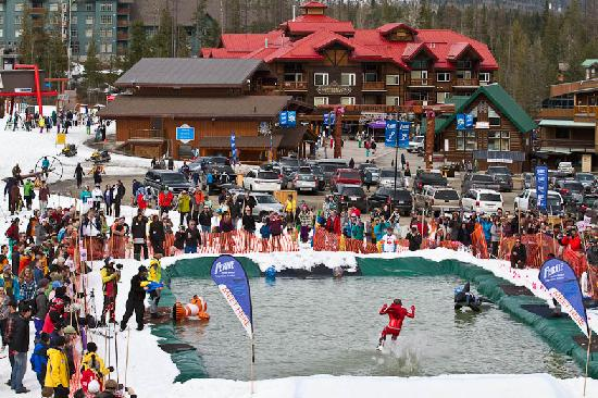 Fernie, Canada : Funtimes at the Slope Soaker and Fernival!