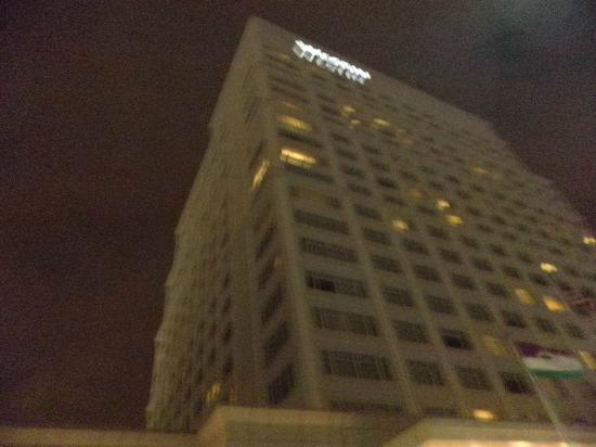 The Westin Lombard Yorktown Center: exterior