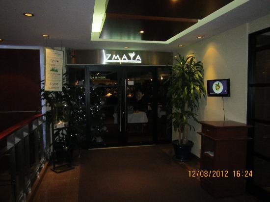 Quality Hotel Dorval Aeroport: One of the restaurant at Hotel