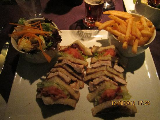 Quality Hotel Dorval Aeroport: The Best club sandwich in Dorval