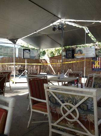 Paddlers Restaurant and Bar: stage