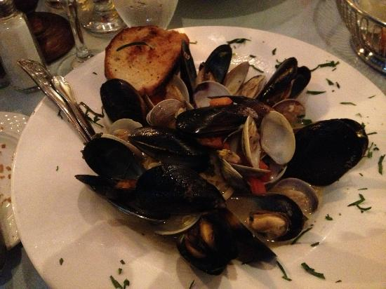 Cesario's : delish but where's the pasta?