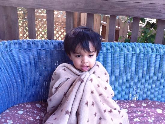 ArtisInn Bed and Breakfast : Grandson Abhay feeling the November chill at Lake Canyon