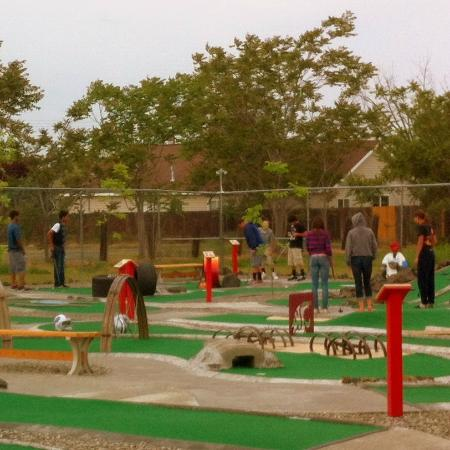The Sweet Putt: Outdoor course