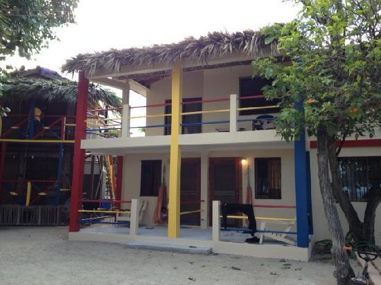 De Real Macaw: Condo Building