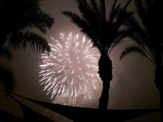 Four Points by Sheraton Anaheim: Disneyland fireworks viewed from hotel