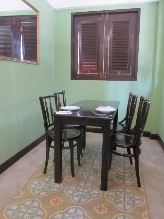 Focal Local Bed and Breakfast: Enchanting dining area
