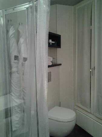 Grand Hotel Saint-Michel : bathroom