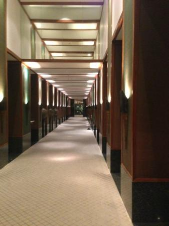 The Sukhothai Bangkok: a corridor from lobby